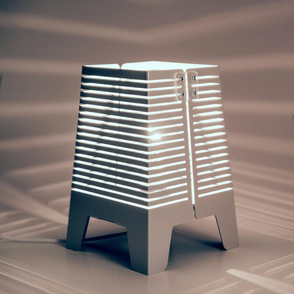 Lampa, belysning, inredning. Lampa Horisont. Bordslampa i aluminium.