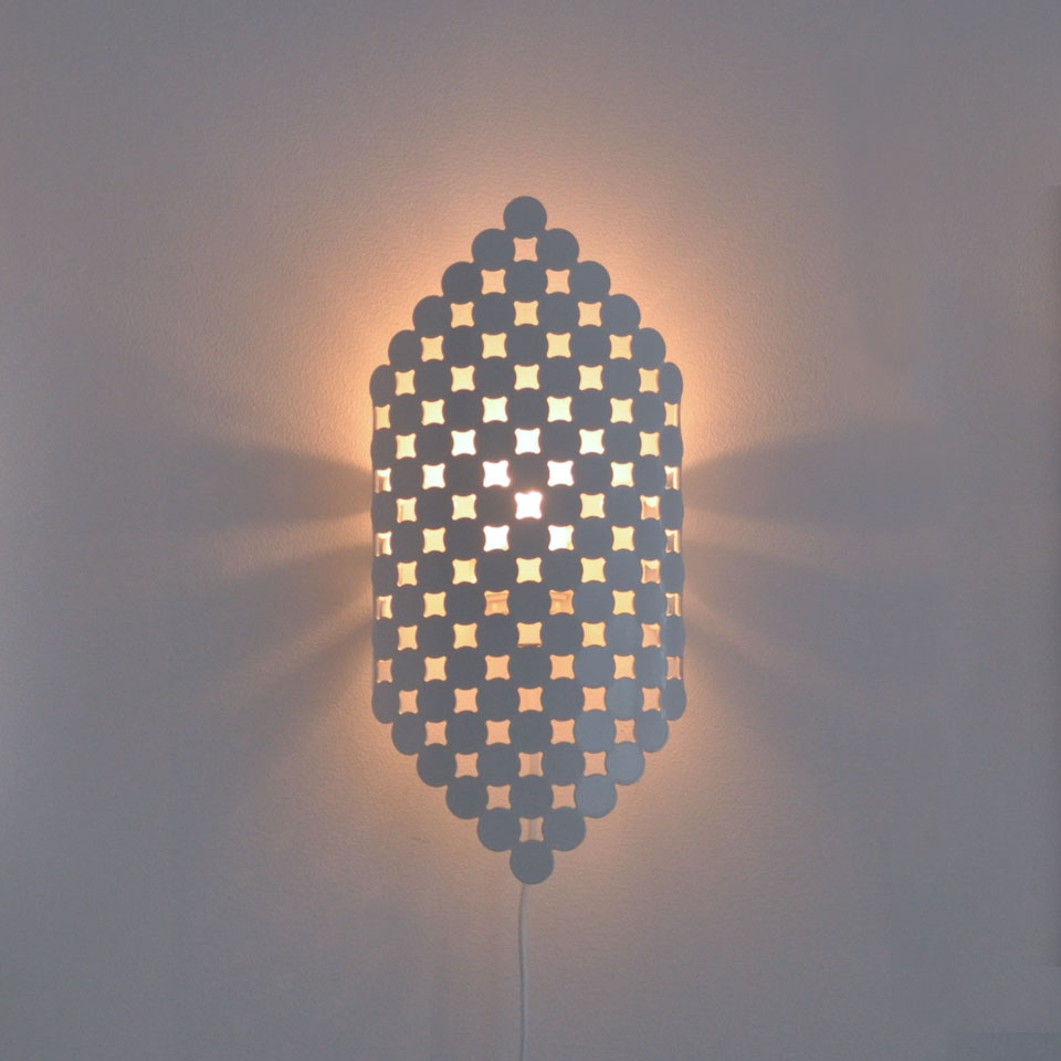 Orient, lampskärm i lackad aluminium